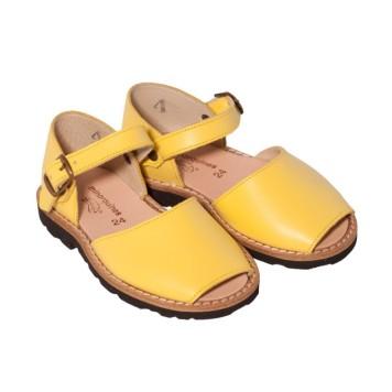 chaussures-enfants-jaunes