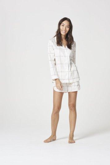 WPJ19-063-Chalmers-Pyjamas-PAISLEY-PYJAMA-SET-COFFEE-CHECK-WHITE-1_1024x1024
