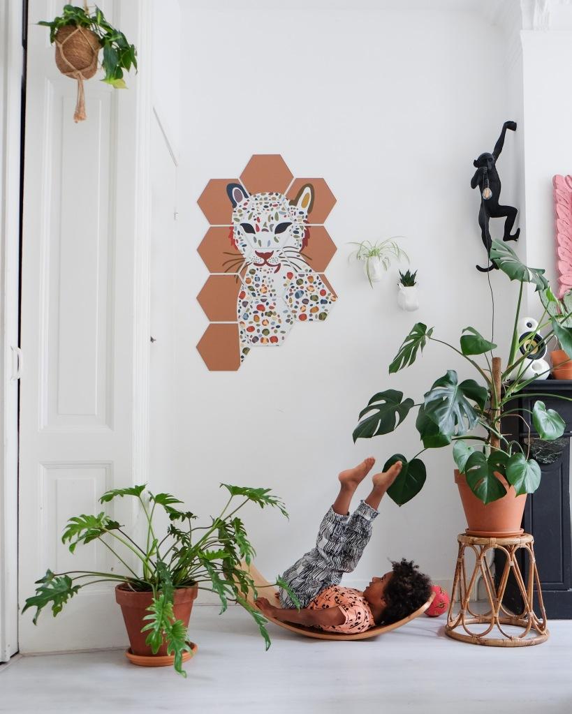 Luipaard op hexagons via Modulari